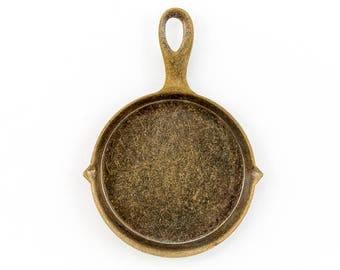30mm Antique Brass Frying Pan Charm #CHA035
