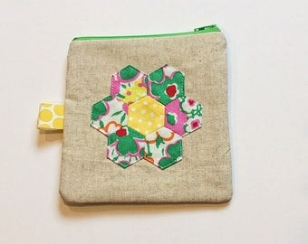 Quilted hexie flower zipper pouch 3