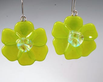 Spring green flower earrings, fused glass earrings, flower dangle earrings, handmade glass earrings