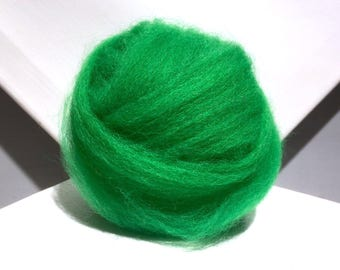 Kelly Green  wool roving, Needle Felting wool, Spinning Fiber,  bright green, green, yellow green roving