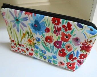 Large Cosmetic Bag Flat bottom Zipper Pouch Padded ECO Friendly NEW Spring has sprung