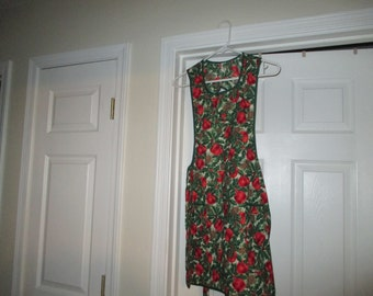Apron, Christmas, holly, pine cones, apples, ladies apron, women's apron, full apron, apron with pockets, kitchen, cooking, retro,