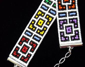 Bold colors geometric bead-woven bracelet