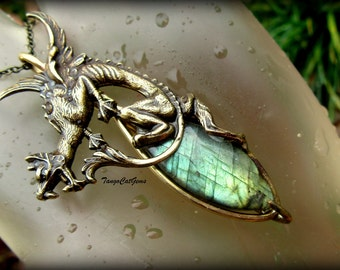 Dragons Tear Labradorite pendant necklace