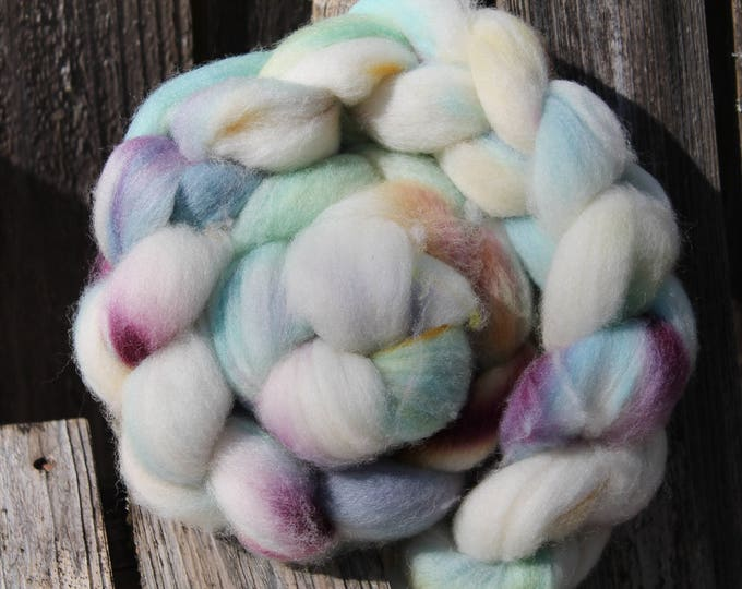Kettle Dyed Falkland Wool Top.  Soft and easy to spin. 4oz  Braid. Spin. Felt. Roving. F152