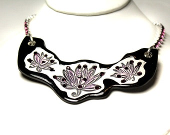 Lotus Flower Sparkle Surly Ceramic Necklace With Rhinestone Chain In Purple and Black