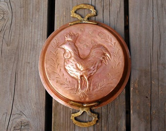 Copper Rooster Mold, Hammered Copper Pan, Farmhouse Decor, Rustic Kitchen, Brass Handles, Cooking Baking Supplies, Folk Art Chicken