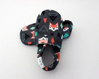 Fox Baby Clothes Baby Booties boy girl toddler slipper shoes soft soled non slip SWAG newborn gift Charcoal Grey Woodland Hipster baby arrow