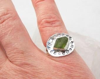 Peridot Silver Ring, Peridot Crystal, Raw Peridot, Peridot Jewelry, Raw Crystal Ring, Stars, Sterling Silver Ring Size 6