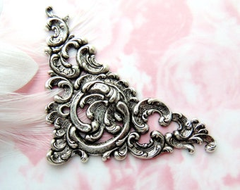 ANTIQUE SILVER * Floral Scroll Ornate Corner Stampings ~ Jewelry Ornament Findings (C-1007)