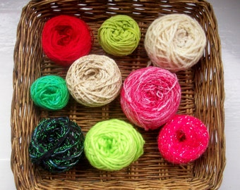 DESTASH- big grab bag assorted yarn 153g /5.4 ounces Christmas green, red, gold 01