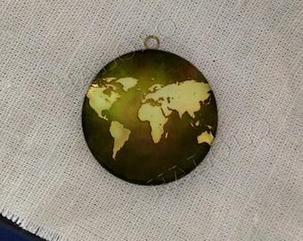 world map round antique bronze locket 32mm (LD195)