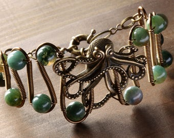 Octopus bracelet, Moss Agate, Steampunk Jewelry, Victorian antique brass