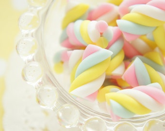 8 pcs Polymer Clay Twisted Candy Marshmallow Miniature (11mm20mm) CD543
