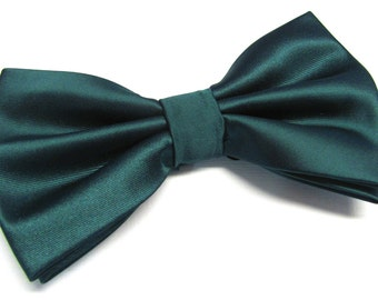 Mens Bowtie. Dark Green Bowties. Forest Green Bowtie With Matching Pocket Square Option