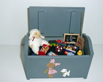 Musical miniature toybox