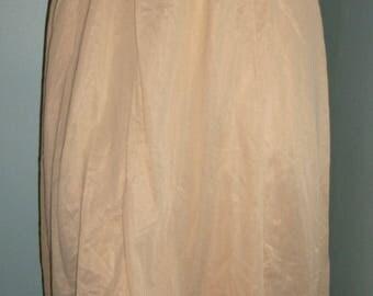 Gorgeous Vintage 60s beige Half Slip S