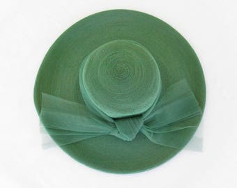 1940's green wide brim straw hat with tulle band