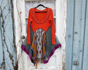 Ethnic Festival Reconstructed Tunic Top// Upcycled Bohemian// Medium Large// Low Cut// Multi Colored// emmevielle