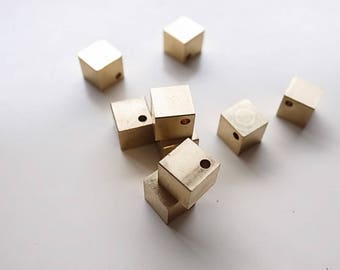 20 pcs of Raw Brass 8 x 8 mm Square solid Cube Beads with 2 mm hole at the corner