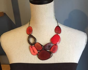 Shades of red bib necklace