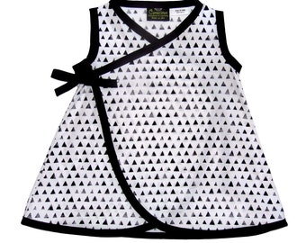 Black And White - Black - Triangle - Minimalist - Baby Dress - Girls Dress - Wrap Dress - Conscious Childrens Clothes - nb - 6m - 12m -18m