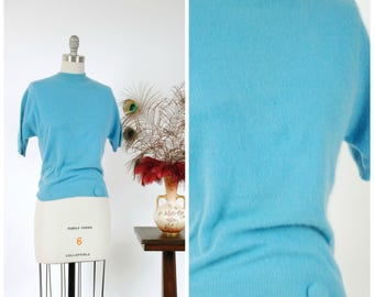 Vintage 1950s Sweater - Classic Aqua Wool Blend Short Sleeve Pullover Late 50s Sweater Girl Top with Button Detail