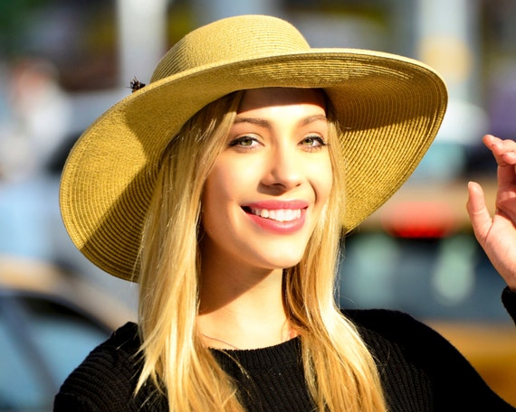 Wide Brimmed Straw Hat Sun Shade Hat SPF50 Sunblock Crushable Hat Western Style Travel Hat Natural Tan Straw Beach Hat Festival Sunhat Women