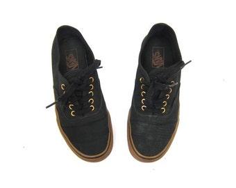 Vintage VANS Tennis Shoes BLACK Lace Up Slip On 80s Sneakers Retro 90s Skater Shoes Unisex Hipster Slip On Flats Vans Men's 8 Women's 9.5