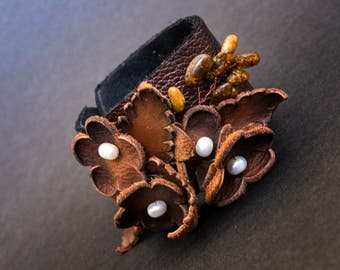 Elegant rustic Leather flower bracelet with pearls Floral wristband Leather jewelry
