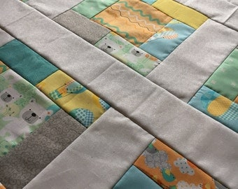 Quilt Top Unfinished - Breezy Baby - 38 x 38 in / bears, hot air balloon, birds / gender neutral / shower gift / ready to quilt /
