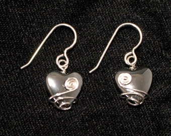 Wire-wrapped Hematite Heart Earrings G333