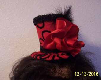 Mini-Top Hat Fascinator in Red and Black