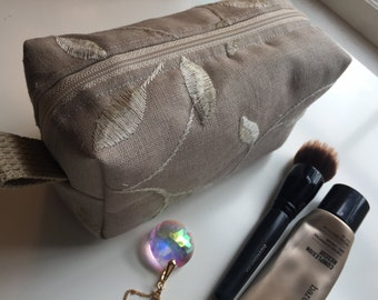 Cosmetic case, make up bag, tolietry case, make up brush case
