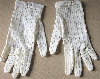 Vintage 50s White Perforated Fitted Driving Gloves