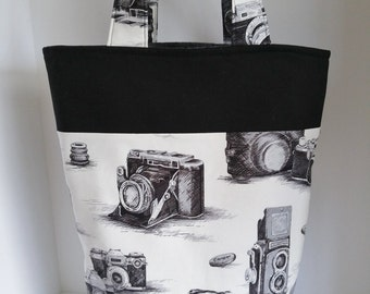 Camera Tote Bag with Pockets, Handbag, Camera Print, Beach Bag, Picnic Bag, Camera Accessories Bag, Library Bag, Gift for the Camera Person