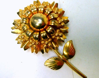 Large Gold Metal Flower Pin,  1960s Very Ornate Shiny DAISY Brooch, Flower Power Vintage, Bridal Bouquet Posey