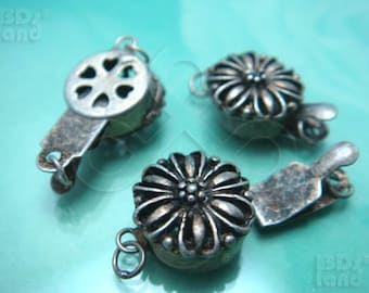 Clearance Sales -50% / B616SA / 8Sets / Diameter 12mm - Antique Silver Plated 12mm Boxed Filigree Clasps Findings.