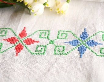 D 131: handloomed linen antique charming TOWEL napkin LAUNDERED EASTER decoration