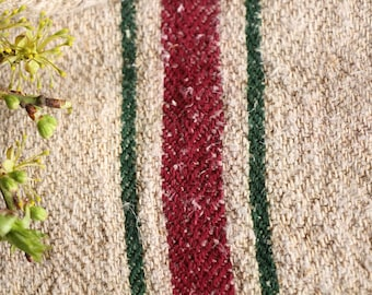 E 102:antique handloomed rare WOOD GREEN and BURGUNDY Red 41.73 inches long; 리넨 , grainsack for pillows cushions runners, wedding decoration