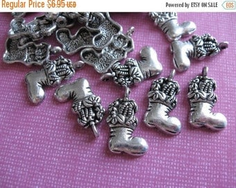 ON SALE 25Pcs Antique Silver Christmas Stocking Charms 20x13mm