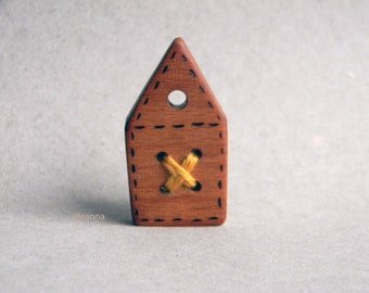 Wooden brooch. Barn brooch. Brown and saffron. Made in Italy.