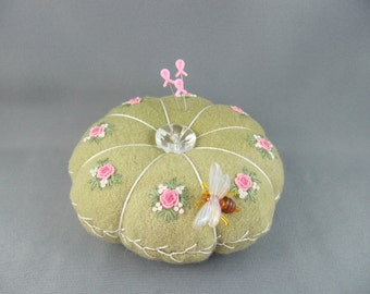 SOLD Primitive Roses  Green Hand Dyed Wool Pincushion/ Vintage Glass button/ Life size Bee