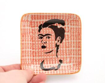 Frida Kahlo - ring dish - trinket tray - gift for painter - Home and living - Frida Kahlo art - ringholder - gifts under 10