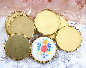 15mm Raw Brass Lace Edge Round Settings - 8