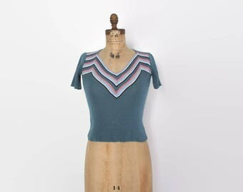 Vintage 70s Chevron Knit SWEATER / 1970s Blue Striped Short Sleeve Pullover Knit Top xs-s