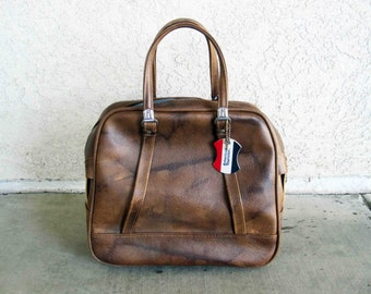 Vintage American Tourister Tote or Carry-on Bag in Brown Vinyl. Circa 1960's.