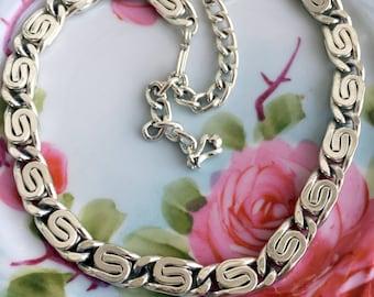 "Vintage Silvertone ""s"" style Chain choker necklace"