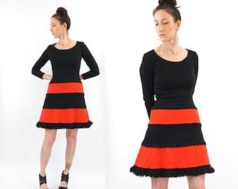 HOLIDAY SALE vintage 60s red + black MOD twiggy Mini dress S-M