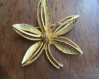 Vintage Designer Art Flower Pin
